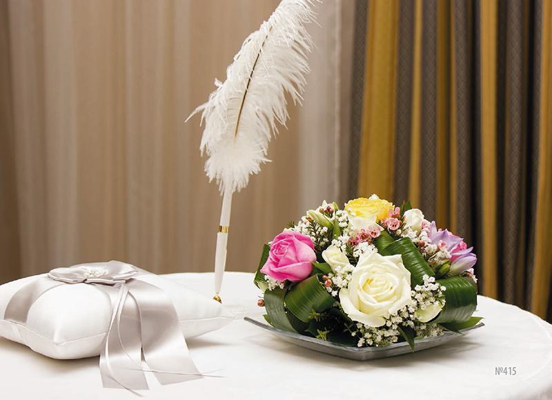 Заказать в омске свадебный букет цветы пуансетия на елку купить