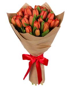 """Букет из цветов """"Весенние тюльпаны"""" с доставкой по Омску 25 - 30 см."""