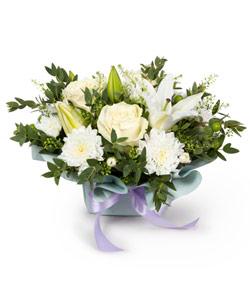 """Bouquet from flowers """"Flower Breeze"""" 25 - 20 cm."""